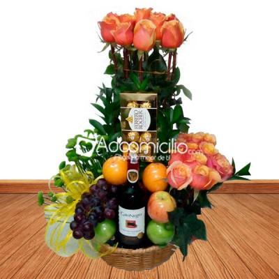 Arreglos Florales Para Aniversario En Medellín Ramo Frutero Con Chocolates Y Vino
