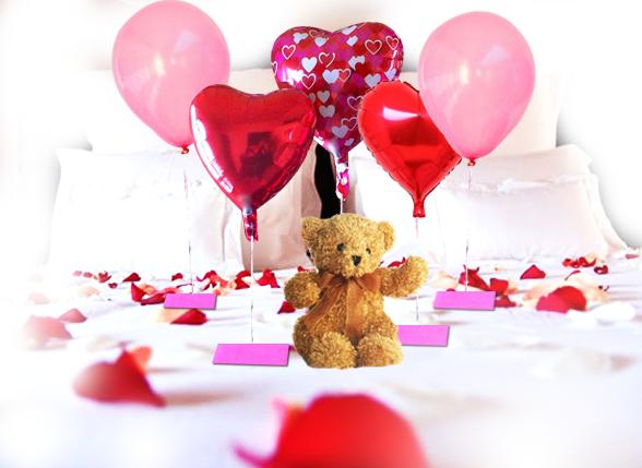 Petalos de rosas for Cuartos decorados romanticos con globos