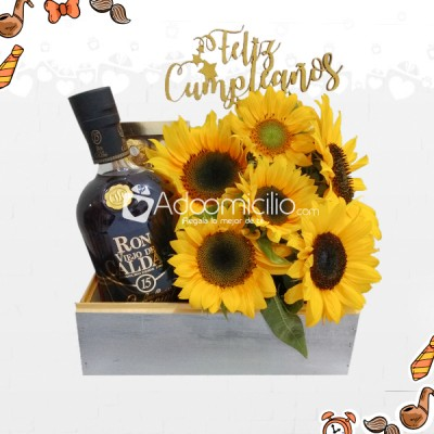 Alegría Dorada Ancheta Decorada Girasoles, Chocolates Y Ron 15 Años A Domicilio En Cali