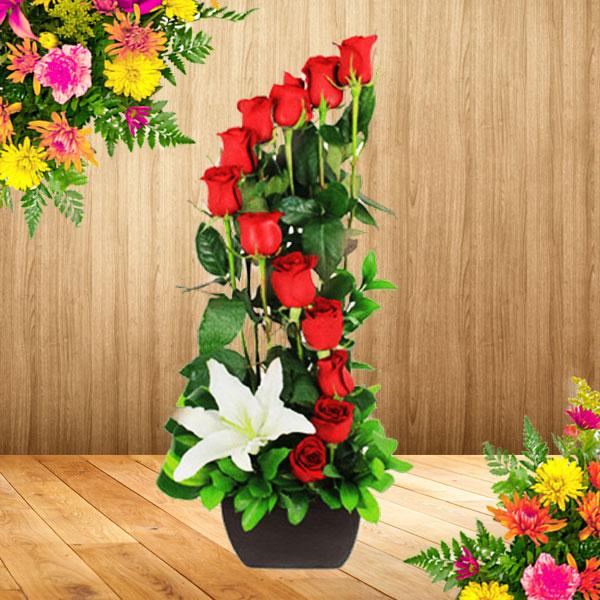 Arreglos florales a domicilio en bogota solitario con rosas for Plantas decorativas artificiales bogota