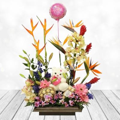 Arreglos Florales A Domicilio En Bogotá Jardinera Gigante Con Globos Y Peluche Santa Lucia