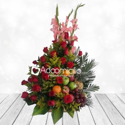 Arreglos Florales A Domicilio En Barranquilla Floral De Rosas Y Frutas