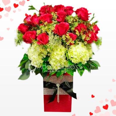 Hortensias Y Rosas De Amor Y Amistad Arreglos Florales A Domicilio En Popayan