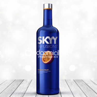 Regalos con licor a domicilio en Cali Vodka Skyy Infusion Fruit 700 ml